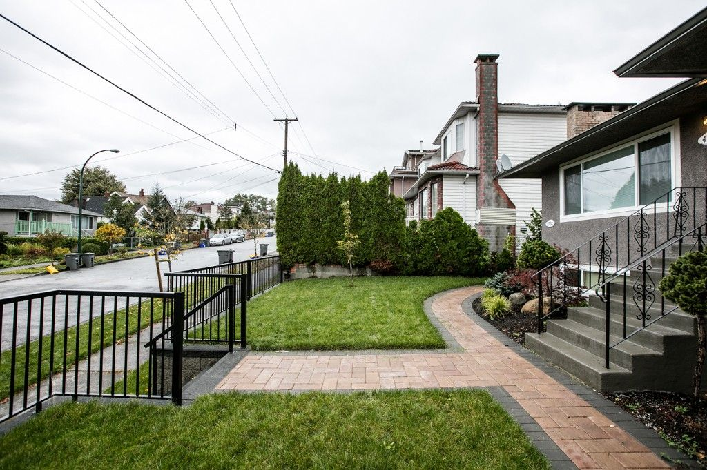 Photo 2: Photos: 4960 MANOR ST in VANCOUVER: Collingwood VE House for sale (Vancouver East)  : MLS®# R2134049