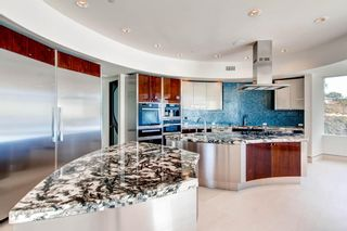 Photo 10: Residential for sale : 5 bedrooms :  in La Jolla