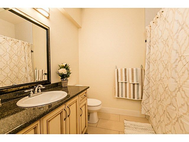Photo 9: Photos: 7979 MCGREGOR Avenue in Burnaby: South Slope 1/2 Duplex for sale (Burnaby South)  : MLS®# V1137815
