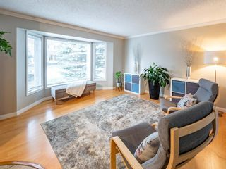 Photo 4: 215 Millcrest Way SW in Calgary: Millrise Detached for sale : MLS®# A1103784