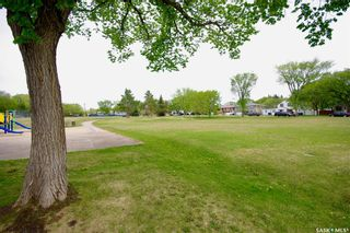 Photo 15: 220 L Avenue North in Saskatoon: Westmount Residential for sale : MLS®# SK857057