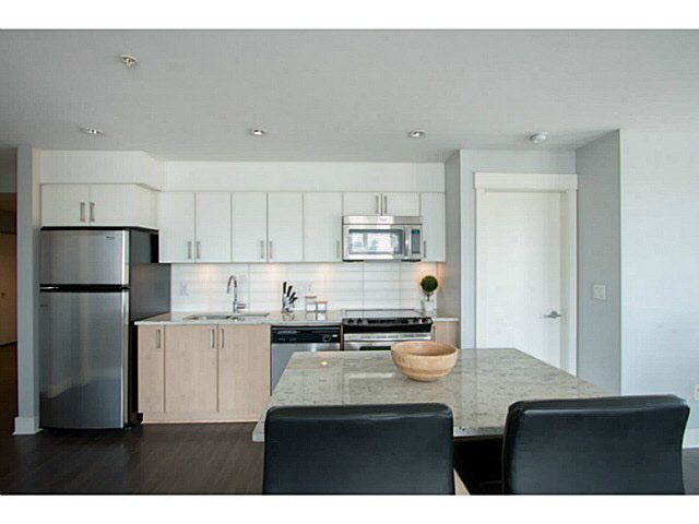 Main Photo: 318 55 EIGHTH AVENUE in New Westminster: Condo for sale : MLS®# V1125348