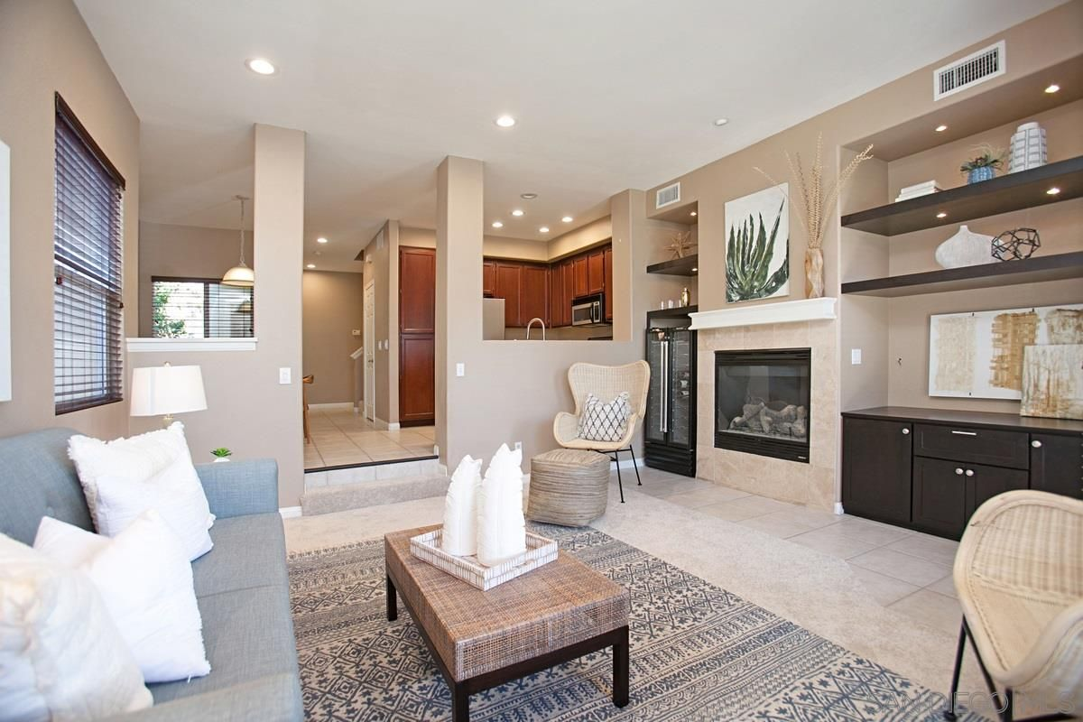 Main Photo: HILLCREST Townhouse for sale : 3 bedrooms : 1452 Essex St. in San Diego