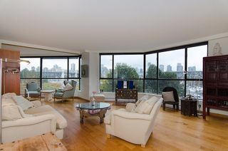 """Photo 5: 202 1490 PENNYFARTHING Drive in Vancouver: False Creek Condo for sale in """"HARBOUR COVE"""" (Vancouver West)  : MLS®# V977927"""
