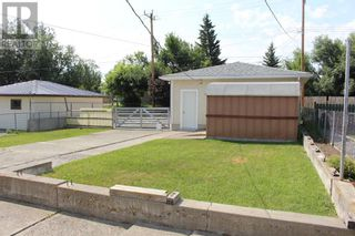 Photo 2: 728 McDougall Street in Pincher Creek: House for sale : MLS®# A1142581
