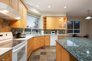 """Photo 12: 11 CLIFFWOOD Drive in Port Moody: Heritage Woods PM House for sale in """"STONERIDGE"""" : MLS®# R2597161"""