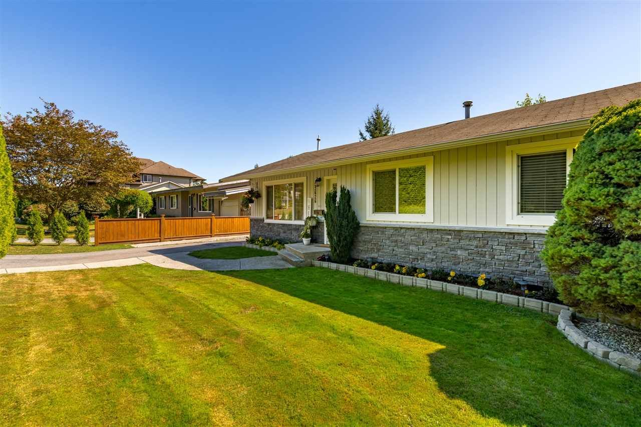 Photo 4: Photos: 32626 BADGER Avenue in Mission: Mission BC House for sale : MLS®# R2493289