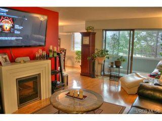 Photo 1: 304 853 Selkirk Ave in VICTORIA: Es Kinsmen Park Condo for sale (Esquimalt)  : MLS®# 716758