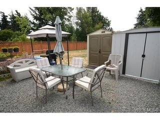 Photo 15: 735 Kelly Rd in VICTORIA: Co Hatley Park House for sale (Colwood)  : MLS®# 735095