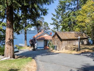 Photo 6: 1032/1034 Lands End Rd in North Saanich: NS Lands End House for sale : MLS®# 883150