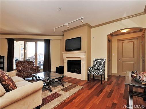 Main Photo: 210 1642 McKenzie Ave in VICTORIA: SE Lambrick Park Condo for sale (Saanich East)  : MLS®# 678037