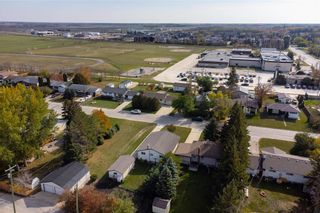 Photo 8: 821 Ashton Avenue in Beausejour: House for sale : MLS®# 202124144