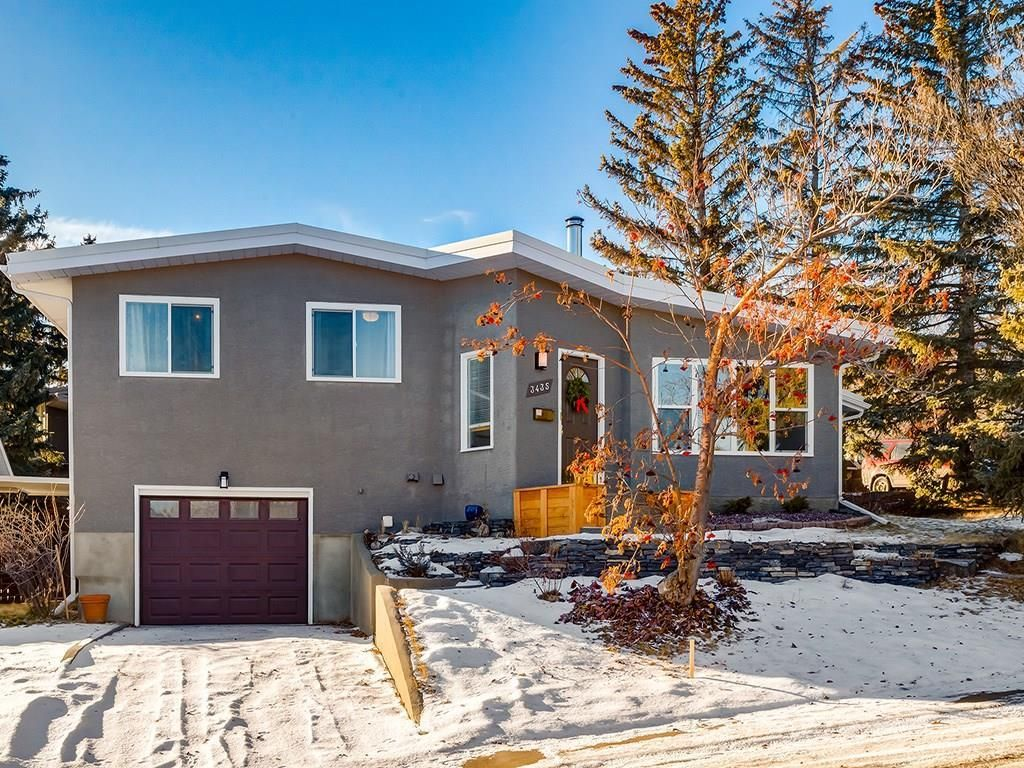 Main Photo: 3435 23 Street NW in Calgary: Charleswood Detached for sale : MLS®# C4224192
