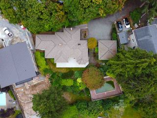 "Photo 4: 301 N HYTHE Avenue in Burnaby: Capitol Hill BN House for sale in ""CAPITOL HILL"" (Burnaby North)  : MLS®# R2531896"