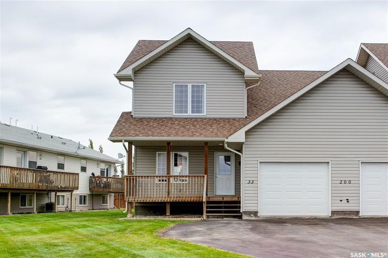 FEATURED LISTING: 33 - 200 Hiebert Crescent Martensville