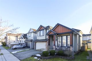 """Photo 2: 14648 79 Avenue in Surrey: East Newton House for sale in """"EAST NEWTON"""" : MLS®# R2539943"""