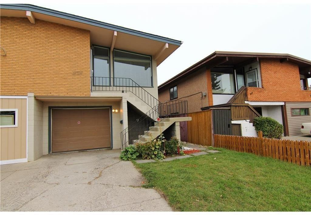 Main Photo: 524 34 Avenue NE in Calgary: Winston Heights/Mountview Semi Detached for sale : MLS®# A1078627