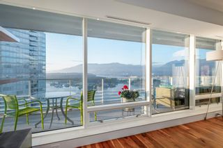 """Photo 8: 3706 1011 W CORDOVA Street in Vancouver: Coal Harbour Condo for sale in """"Fairmont Residences"""" (Vancouver West)  : MLS®# R2597737"""