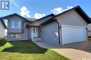 Photo 1: 425 Southwood DR in Prince Albert: House for sale : MLS®# SK870812