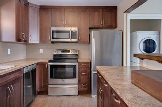 Photo 2: 6139 Buckthorn Road NW in Calgary: Thorncliffe Detached for sale : MLS®# A1070955