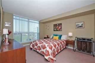 Photo 15: 812 340 W Watson Street in Whitby: Port Whitby Condo for sale : MLS®# E3365946
