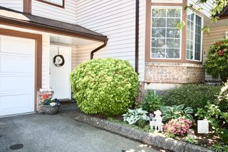 Photo 2: 10 32659 George Ferguson Way in Abbotsford: Central Abbotsford Townhouse for sale