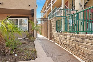 Photo 2: CITY HEIGHTS Condo for sale : 1 bedrooms : 4220 41St St #6 in San Diego
