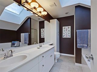 Photo 13: 203 438 31 Avenue NW in Calgary: Mount Pleasant House for sale : MLS®# C4119240