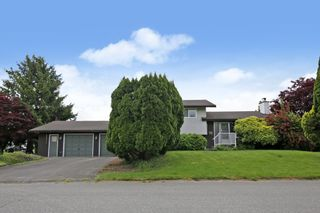 Photo 1: 46572 MONTANA Drive in Chilliwack: Fairfield Island House for sale : MLS®# R2585767