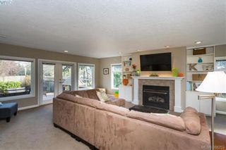 Photo 4: 1108 McBriar Ave in VICTORIA: SE Lake Hill House for sale (Saanich East)  : MLS®# 780264