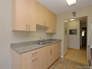 Photo 10: 309 25 Government St in VICTORIA: Vi James Bay Condo for sale (Victoria)  : MLS®# 741219