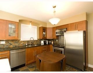 Photo 4: 4820 Albert Sreet in Burnaby: Capitol Hill BN House for sale (Burnaby North)  : MLS®# V805860