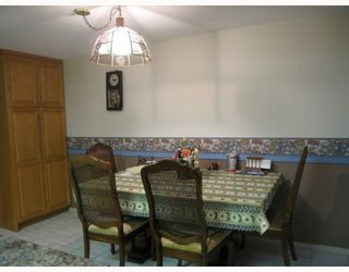 """Photo 6: 17 7711 WILLIAMS Road in Richmond: Broadmoor Townhouse for sale in """"THE GATES"""" : MLS®# V747815"""