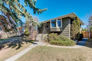 Main Photo: 2456 CAPITOL HILL Crescent NW in Calgary: Banff Trail Detached for sale : MLS®# A1095249