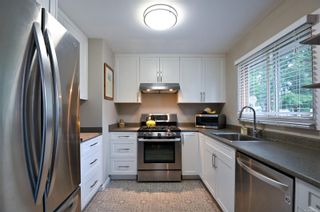 Photo 3: 665 Erickson Rd in : CR Willow Point House for sale (Campbell River)  : MLS®# 869146