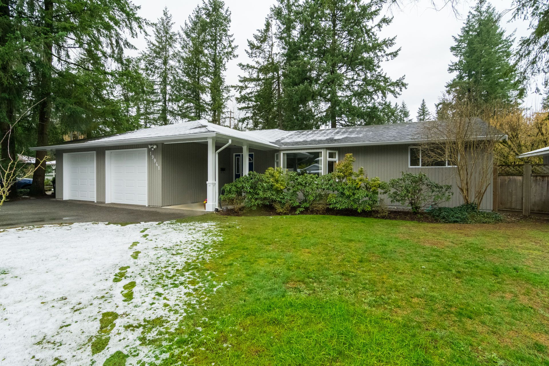 """Photo 3: Photos: 19941 37 Avenue in Langley: Brookswood Langley House for sale in """"Brookswood"""" : MLS®# R2240474"""