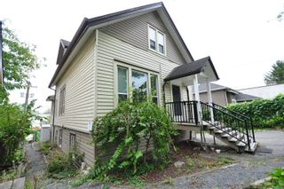 Photo 3: 452 ROUSSEAU Street in New Westminster: Sapperton House for sale : MLS®# R2617289