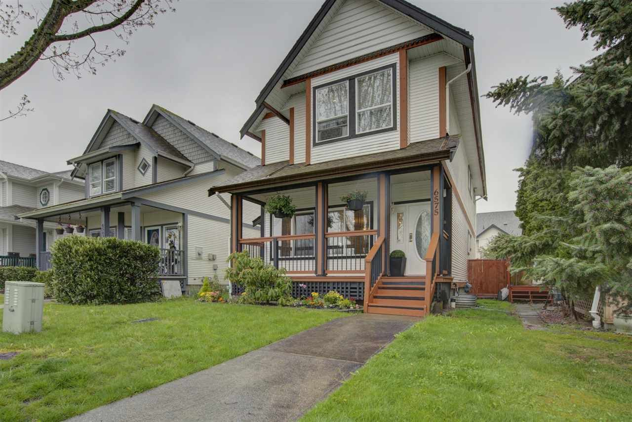 Main Photo: 6575 185 STREET in Surrey: Cloverdale BC House for sale (Cloverdale)  : MLS®# R2453047