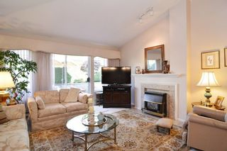 """Photo 7: 136 8737 212TH Street in Langley: Walnut Grove Townhouse for sale in """"Chartwell Green"""" : MLS®# R2072695"""