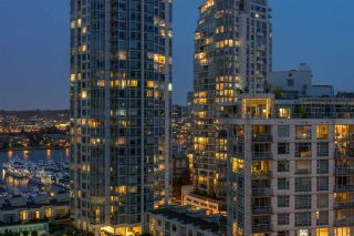 """Photo 19: 1404 238 ALVIN NAROD Mews in Vancouver: Yaletown Condo for sale in """"PACIFIC PLAZA"""" (Vancouver West)  : MLS®# R2318751"""
