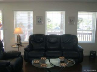 Photo 2: 2055 Arnason Rd in CAMPBELL RIVER: CR Willow Point House for sale (Campbell River)  : MLS®# 645429