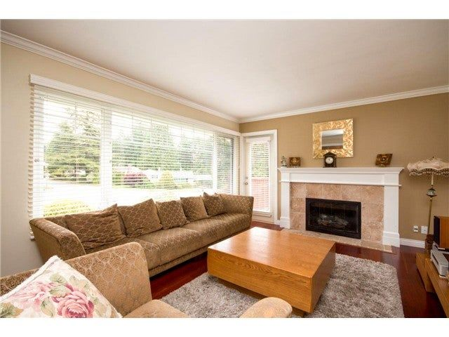 Photo 4: Photos: 780 Blythwood Drive in North Vancouver: Delbrook House for rent