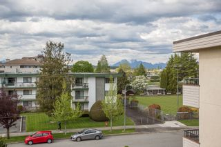 """Photo 22: 309 20460 54 Avenue in Langley: Langley City Condo for sale in """"WHEATCROFT MANOR"""" : MLS®# R2454205"""