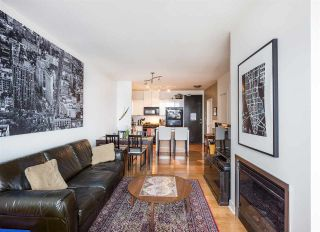 """Photo 5: 1804 151 W 2ND Street in North Vancouver: Lower Lonsdale Condo for sale in """"SKY"""" : MLS®# R2030955"""