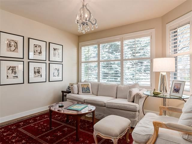 Photo 4: Photos: 309 16 Street NW in Calgary: Hillhurst House for sale : MLS®# C4005350