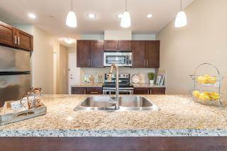 """Photo 5: 205 5000 IMPERIAL Street in Burnaby: Metrotown Condo for sale in """"LUNA"""" (Burnaby South)  : MLS®# R2179013"""