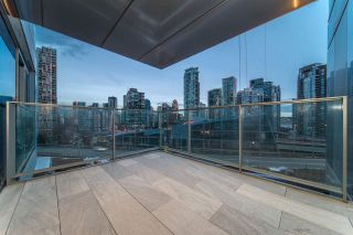 Photo 2: 1208 1480 HOWE STREET in Vancouver: Yaletown Condo for sale (Vancouver West)  : MLS®# R2427901