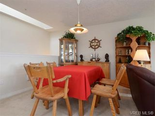 Photo 5: 18 126 Hallowell Rd in VICTORIA: VR Glentana Row/Townhouse for sale (View Royal)  : MLS®# 744425