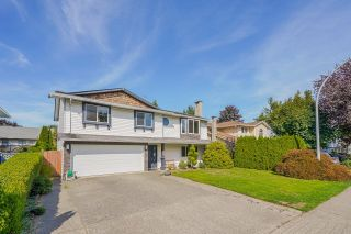 Main Photo: 20959 93 Avenue in Langley: Walnut Grove House for sale : MLS®# R2618224