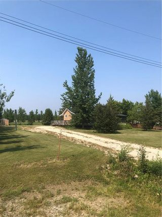 Photo 2: 52 South Maple Drive in Lac Du Bonnet: Fishers Grove Residential for sale (R28)  : MLS®# 202116600